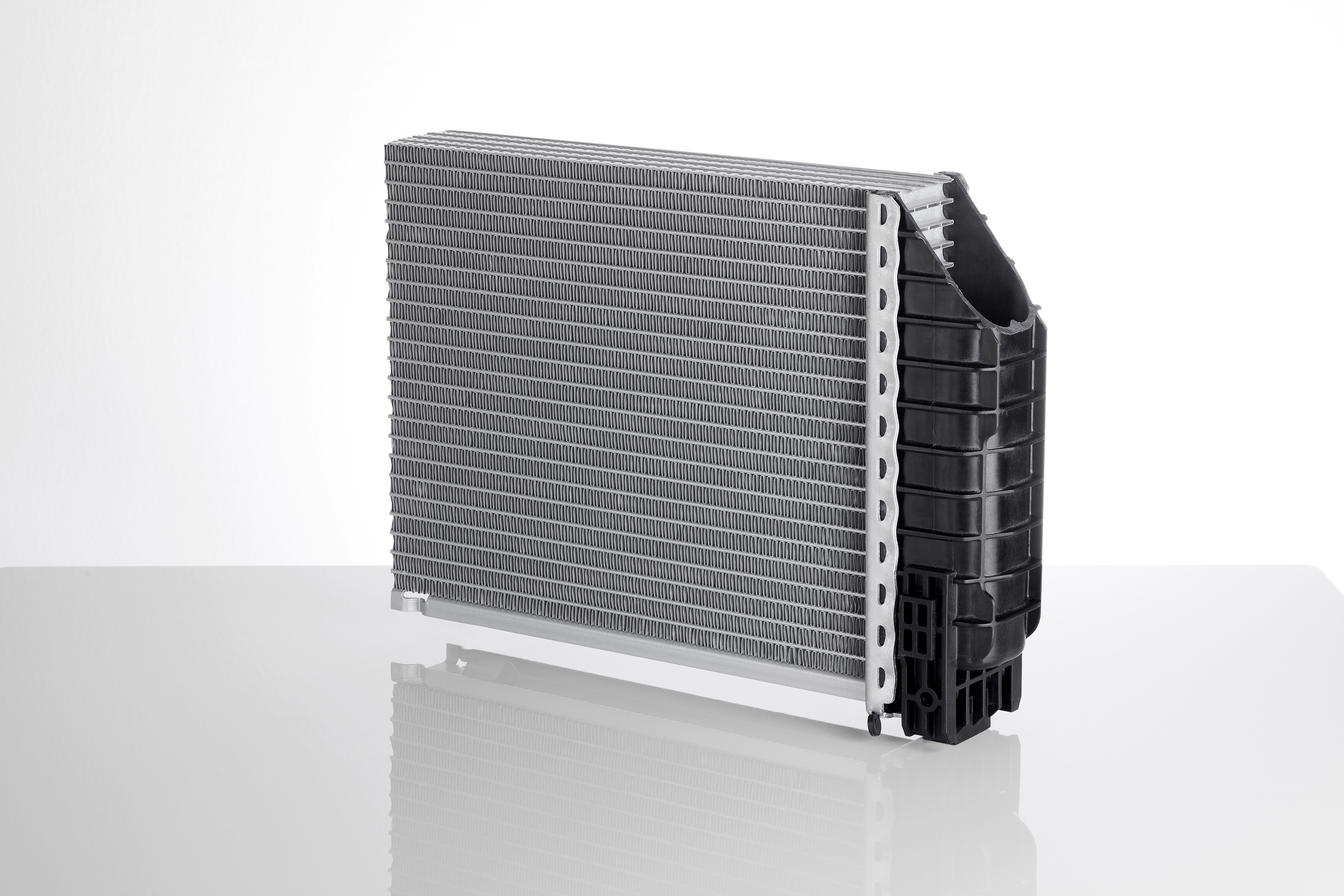 Mahle Group Lightweight Design For Commercial Vehicle